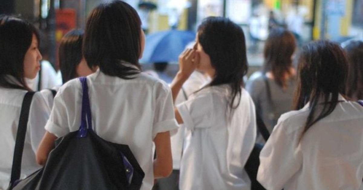 Nhiều trường học ở Nhật bị chỉ trích vì quy định và kiểm tra màu... đồ lót của học sinh