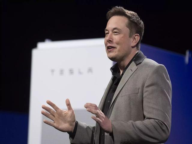 """""""Gã điên"""" Elon Musk lật đổ ông chủ Facebook, thành người giàu thứ 3 thế giới"""