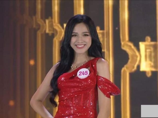 Trực tiếp Hoa hậu Việt Nam 2020: Người đẹp xứ Thanh có đôi chân 1m11 đăng quang
