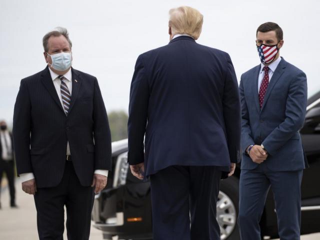 """Ông Trump triệu tập quan chức để """"ra đòn"""" quyết định ở Michigan, người trong cuộc nói điều bất ngờ"""