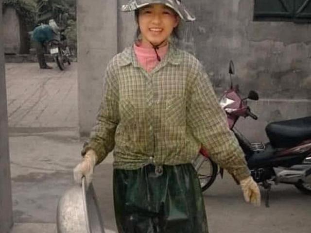 """Lộ ảnh làm ruộng, lội bùn của tân Hoa hậu Đỗ Thị Hà, """"đẹp từ trong trứng"""" là có thật"""