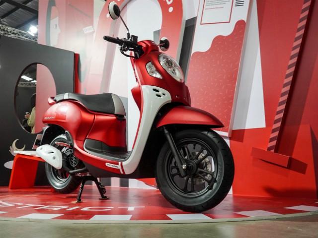 """Những """"ma lực"""" trên 2021 Honda Scoopy khiến giới trẻ say mê"""