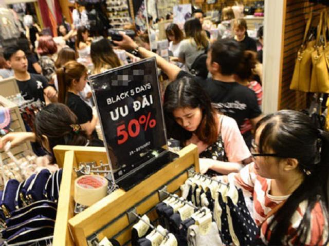 """Sale """"khủng"""" đến 90% nhưng khách hàng vẫn """"dính bẫy"""" trong ngày Black Friday"""