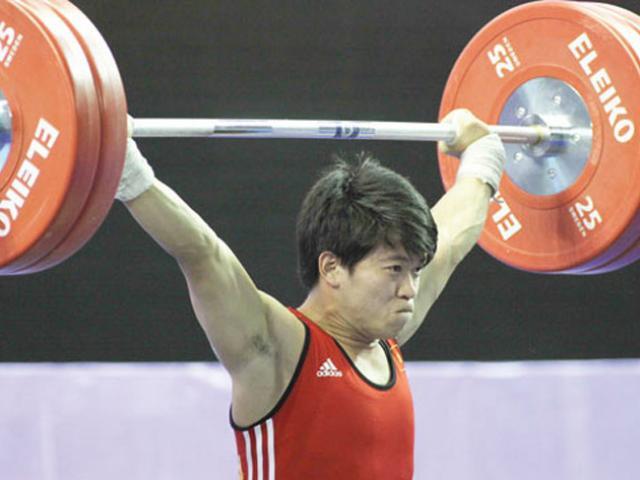 Vì sao cử tạ Việt Nam bất ngờ giành huy chương Olympic?