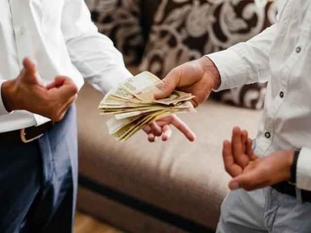 """Ngán ngẩm khi cho người thân vay tiền: Bị block, """"cạch mặt"""" vì nhắn tin đòi nợ"""