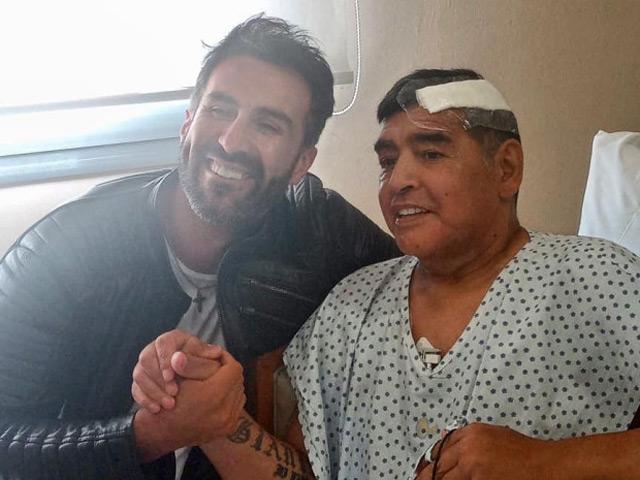 """Điều tra sốc vụ Maradona qua đời: Bị """"ngã đập đầu"""", y tá và cháu nói dối?"""