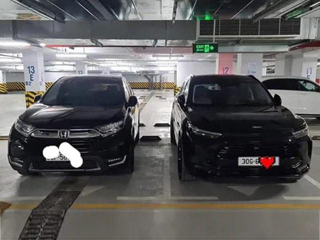 """Honda CR-V vô tình đứng cạnh Beijing X7 và màn """"đọ nhân phẩm"""" gây tranh cãi"""