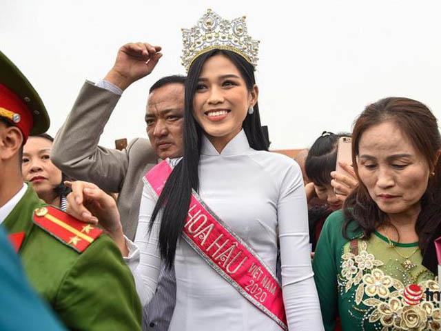 """Hoa hậu Đỗ Thị Hà bị nhận xét """"bớt đẹp"""" sau đêm đăng quang: Lỗi tại ai?"""