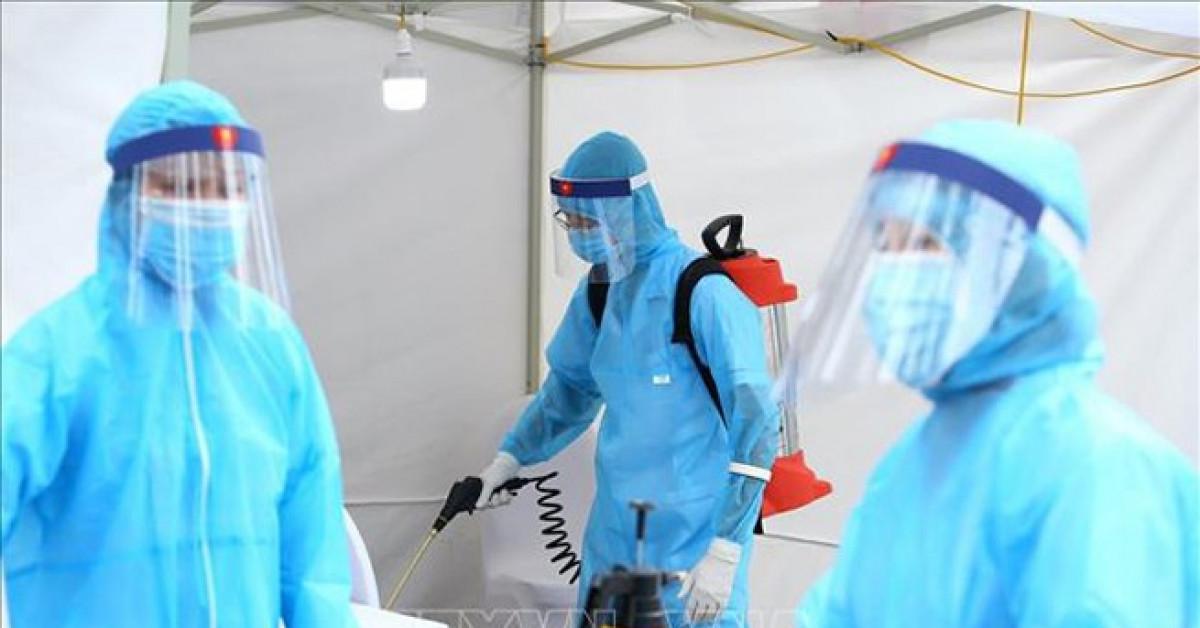 Thêm gần 1.000 người cách ly, cảnh báo 40% ca nhiễm SARS- CoV-2 không có triệu chứng