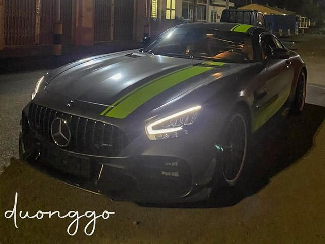 Siêu phẩm Mercedes-AMG GT R Pro đầu tiên có mặt tại Việt Nam