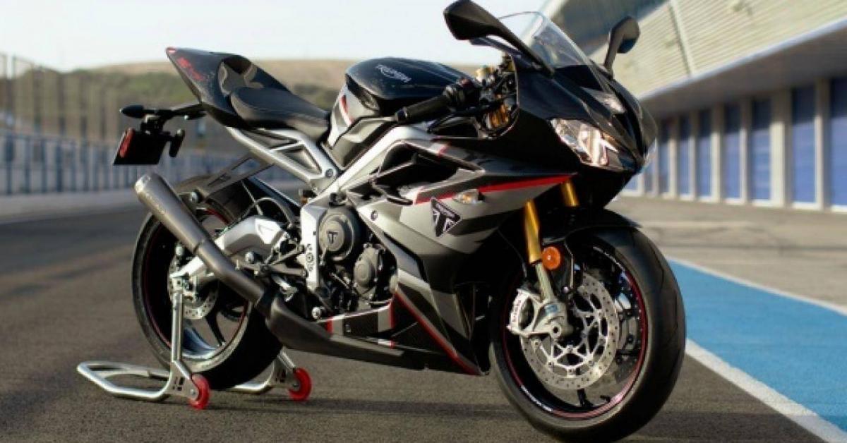 Chiêm ngưỡng siêu phẩm Triumph Daytona Moto2 765 hàng hiếm
