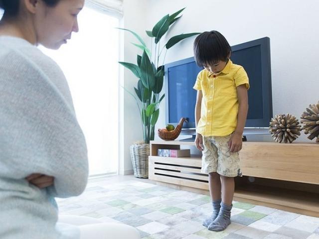 3 phương pháp dạy con phản giáo dục cha mẹ cần tránh