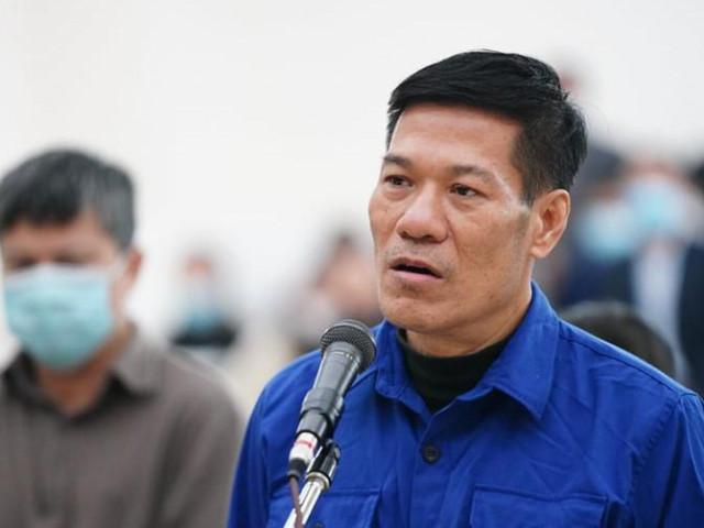 Vụ nâng khống giá máy xét nghiệm Covid-19: Nguyễn Nhật Cảm lĩnh 10 năm tù, 2 bị cáo được hưởng án treo