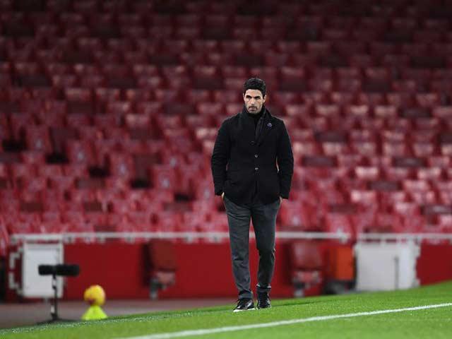 Hỗn loạn tại Arsenal: Nhóm cầu thủ mưu lật đổ HLV Arteta vì cớ gì?
