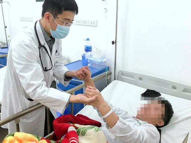 BV Bạch Mai cấp cứu gần 1.000 ca đột quỵ trong một tháng, có ca chỉ mới 14 tuổi