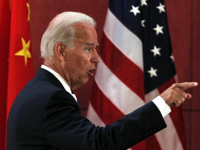 """Quan chức của ông Trump bày cách cho ông Biden """"cứng"""" với TQ"""