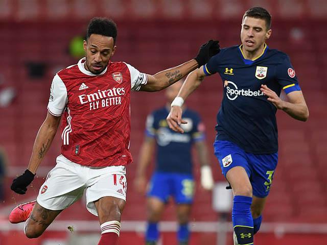 """Video Arsenal - Southampton: Aubameyang giải hạn, người cũ trừng phạt """"Pháo thủ"""""""