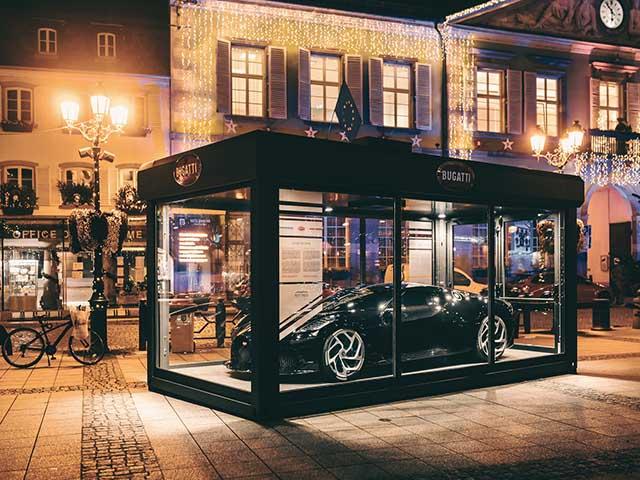 Chiêm ngưỡng Bugatti La Voiture Noire - Món đồ trang trí giáng sinh trị giá hơn 300 tỷ đồng