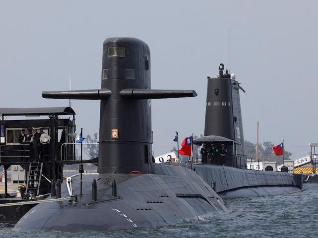 Hạm đội 8 tàu ngầm Đài Loan đóng mới gây khó cho Trung Quốc thế nào?
