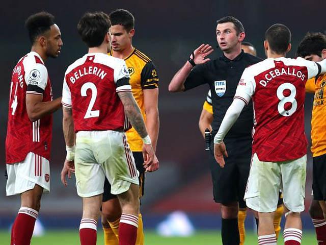 Arsenal nguy cơ xuống hạng Nhất: Trụ cột tháo chạy, Barca nhăm nhe rút ruột