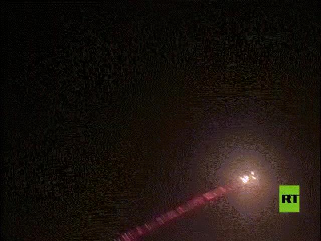 8 rocket lao xuống Đại sứ quán Mỹ ở Iraq