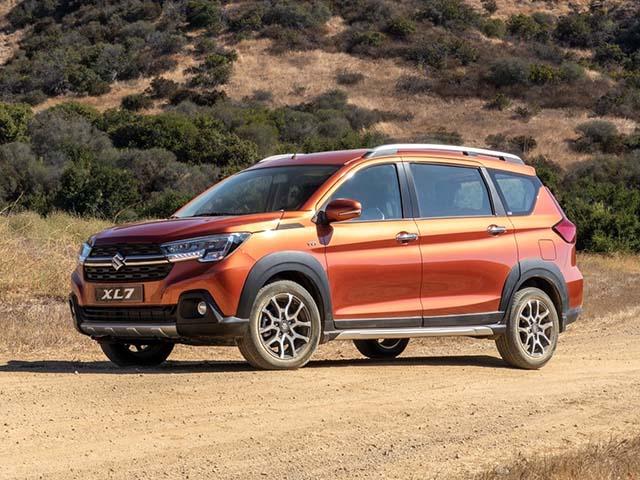 Giá xe Suzuki XL7 lăn bánh tháng 12/2020