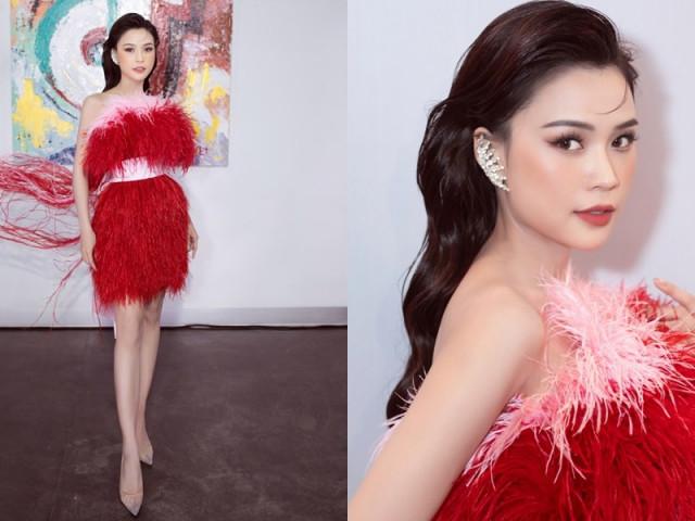 Sam khoe sắc vóc đỉnh cao trong mẫu thiết kế váy đính lông vũ cực kén dáng