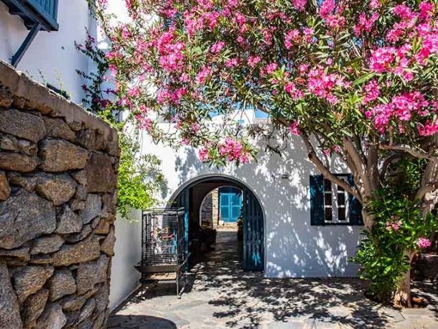 Hòn đảo được gọi là Little Venice, thiên đường bên bờ biển ở Hy Lạp