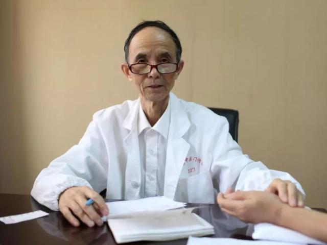 Cách chăm sóc sức khỏe đặc biệt của một bác sĩ TQ, gia đình không ai mắc bệnh mãn tính