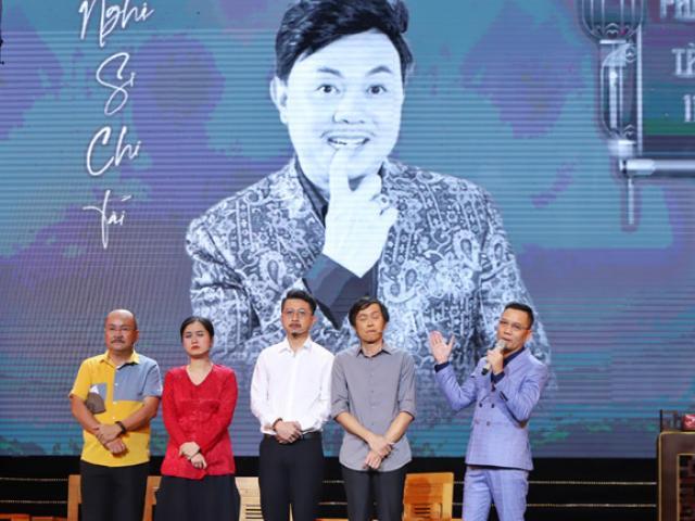 Danh hài Hoài Linh lần đầu biểu diễn không có NS Chí Tài, giây phút cuối nghẹn ngào xúc động