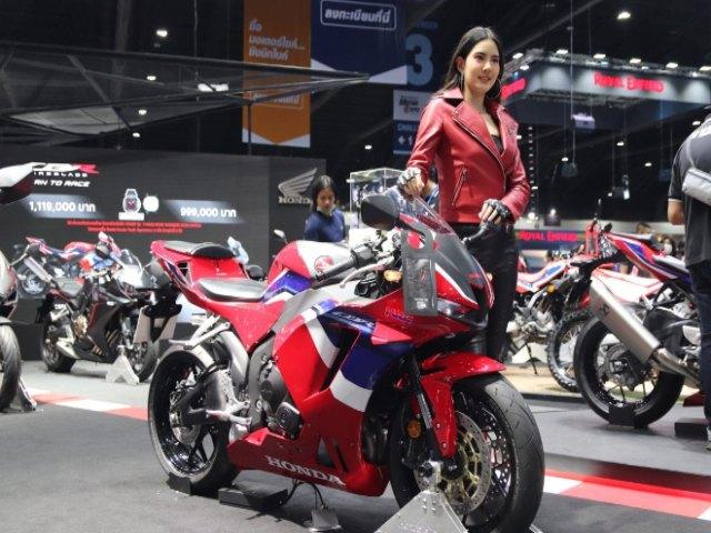 2021 Honda CBR600RR phô diễn vẻ đẹp, Kawasaki Ninja ZX-6R ghen tị