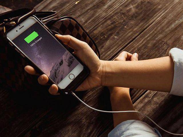 Mẹo hay sạc pin iPhone nhanh tốn ít thời gian nhất