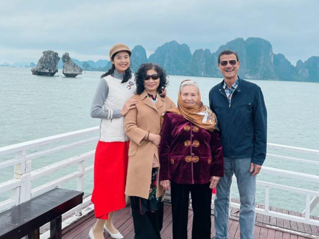 """Hoa hậu """"ngoan nhất showbiz Việt"""" lần đầu khoe ảnh gia đình"""