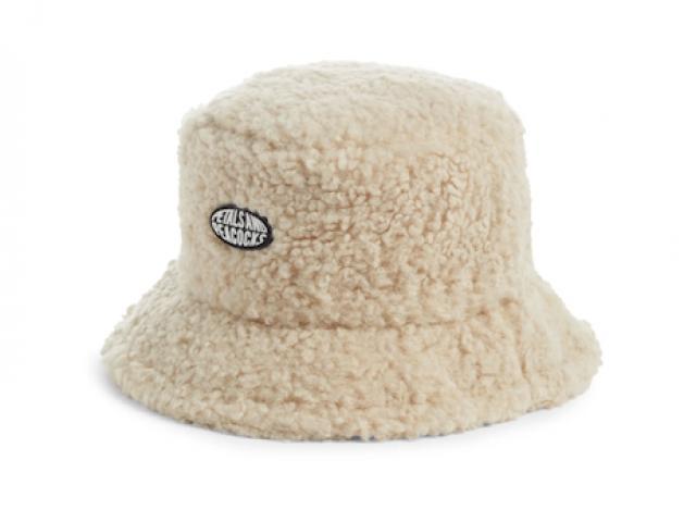 5 loại mũ bạn không thể bỏ qua cho năm mới
