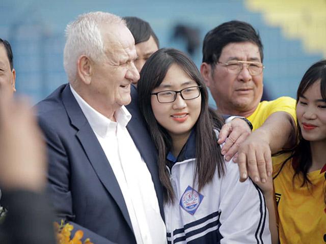 V-League hứa hẹn hay chưa từng thấy: Dàn HLV ngoại đấu thế hệ vàng bóng đá VN