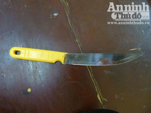 Cướp đâm dao liên tiếp vào đầu lái xe taxi - 1