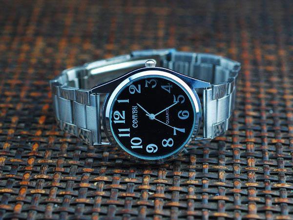Cách chọn đồng hồ đeo tay cho chàng - 9