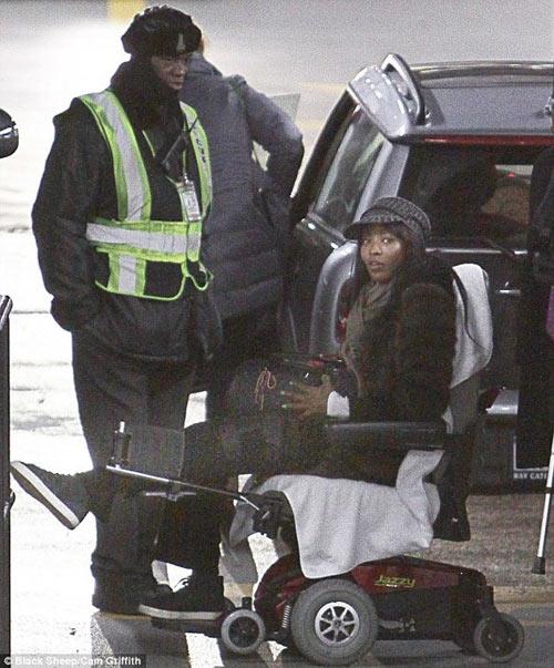 Naomi Campbell bị cướp trên phố Paris - 1