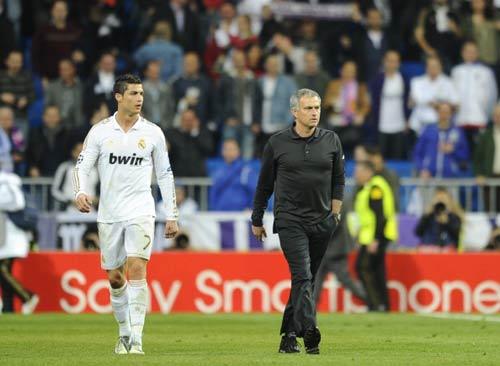 HOT: Torres vui vẻ chia sẻ vị trí với Ba - 1