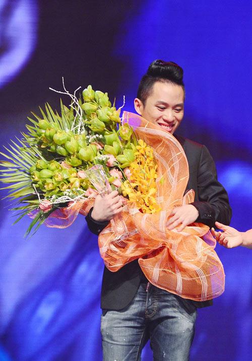 Tùng Dương giành giải 1 tỷ - 1