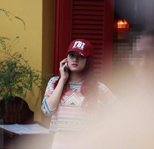 Hương Giang Idol và bạn trai đi mua sắm - 1