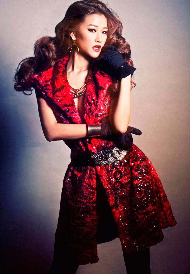 Cô biến hóa thú vị trong những mẫu áo dạ ấm áp dành cho tiết đông miềnBắc