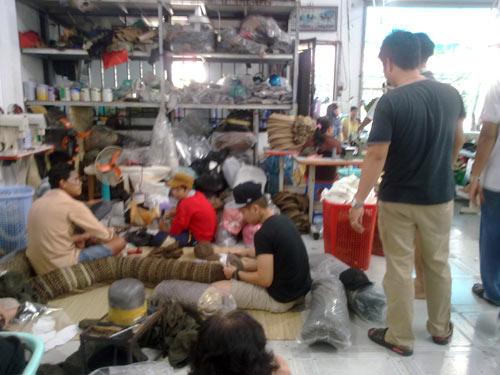 Tóm gọn cơ sở sản xuất nón hàng hiệu giả - 1