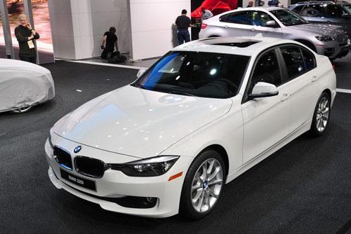 BMW 320i, nhẹ nhàng và khiêm tốn - 1