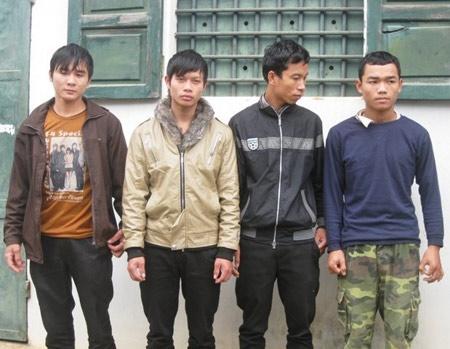 1 đêm, nhóm thanh niên cướp tiền 17 xe tải - 1