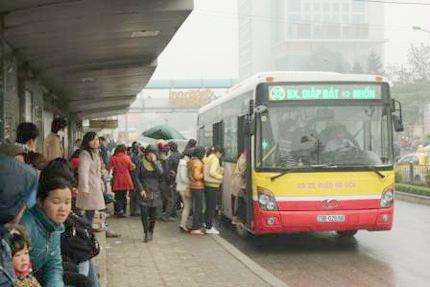 Xe buýt sẽ phục vụ đến 17h ngày 30 Tết - 1