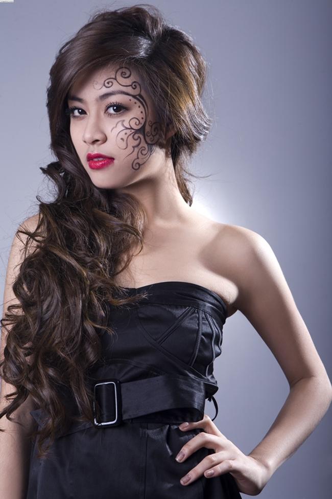 Vượt qua những scandal, có thể thấy Hoàng Thùy Linh đã được công chúng đón nhận và hình ảnh của cô ngày càng đẹp lên, đại diện hình mẫu nghệ sĩ phấn đấu không mệt mỏi cho sự nghiệp