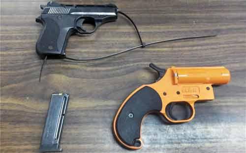 Mỹ: Sợ bắt nạt, bé 7 tuổi mang súng đi học - 1