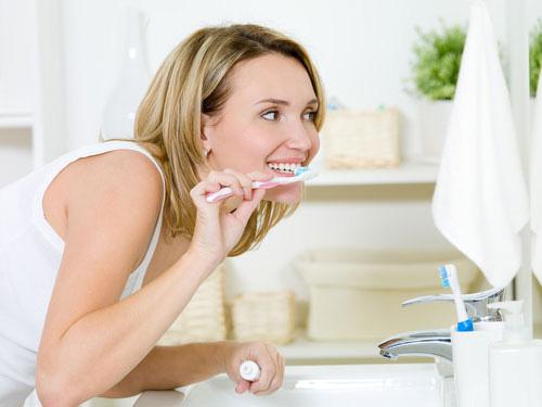"""8 bí quyết để có hàm răng """"sáng lóa"""" - 1"""