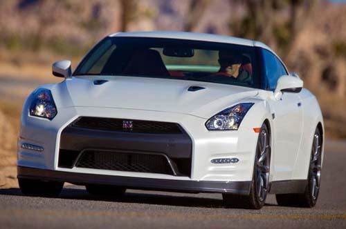 Nissan GT-R 2014 có giá từ 99.590 đô la - 1